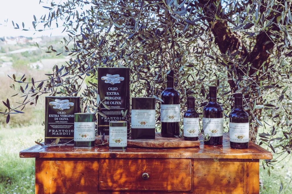Extra_virgin_olive_oil_Frantoio_Maddii_all_formats